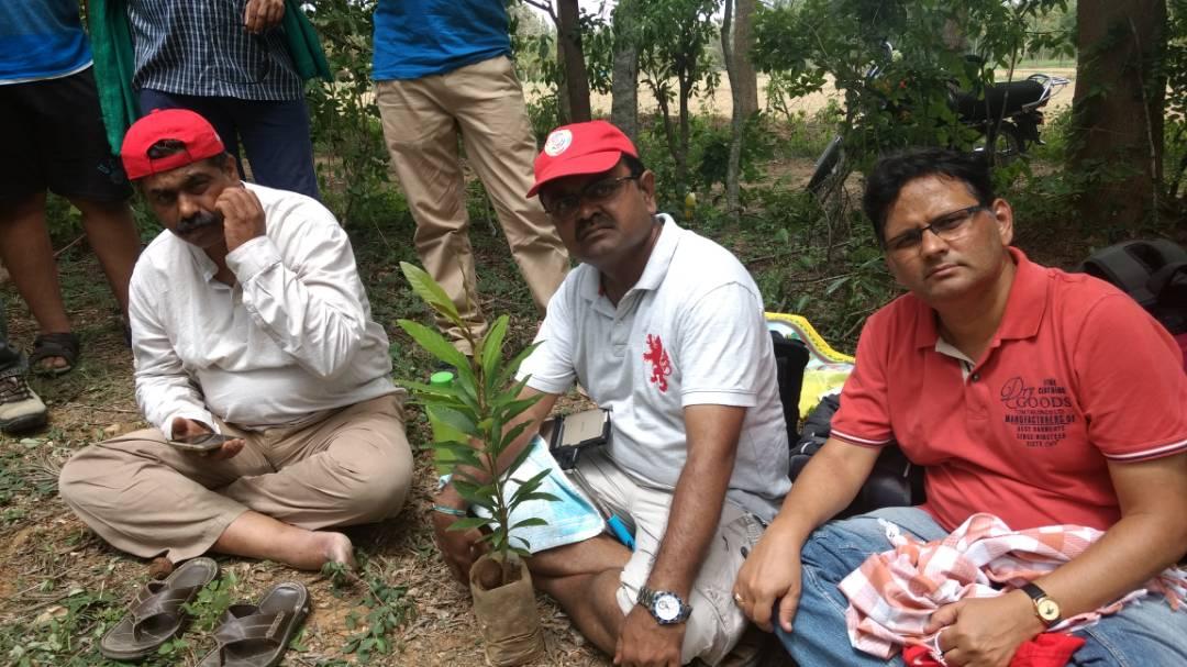 Devaraj, Prakash and Sanjeev, experiencing plantation.